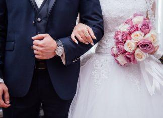 Jak stosownie się ubrać na wesele?