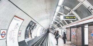 Reklama w metrze